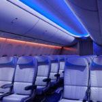 Boeing поставил первый самолет 737NG c новым интерьером